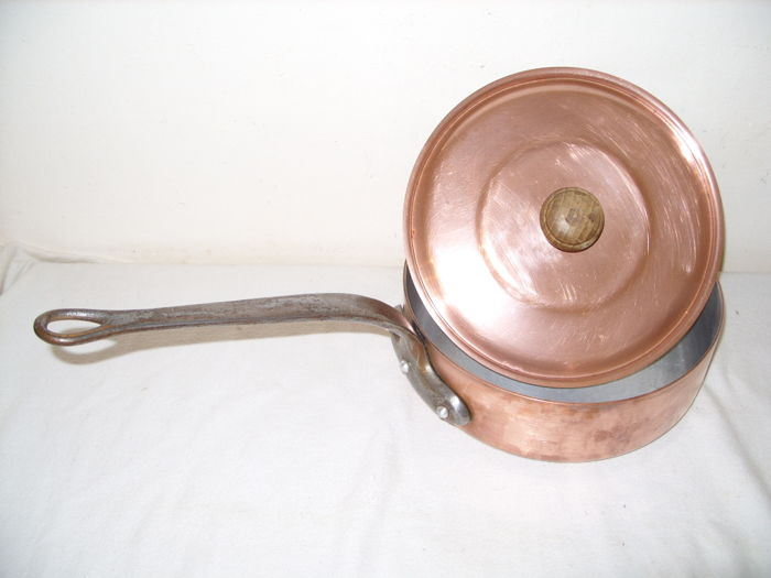 A French copper frying pan with lid, L. Lecellier-Villedieu No. 22