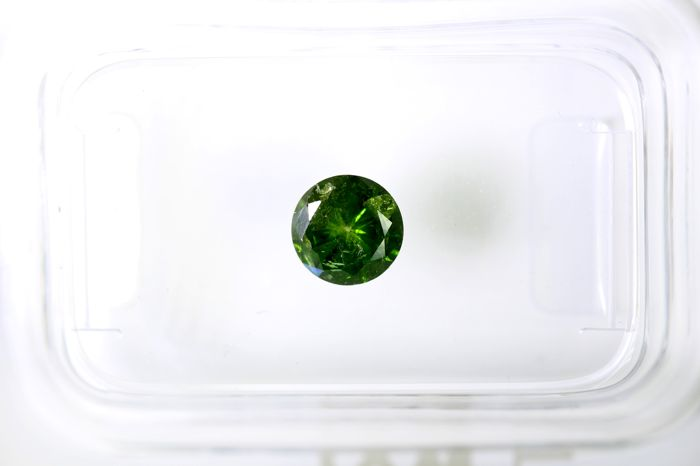 Fancy Yellowish Green  Diamond - 0.46 ct - * NO RESERVE PRICE *