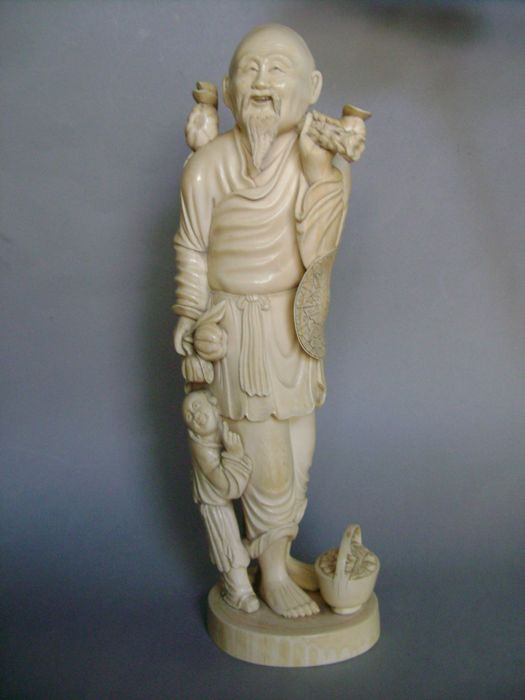 Large ivory sculpture - China - circa 1920