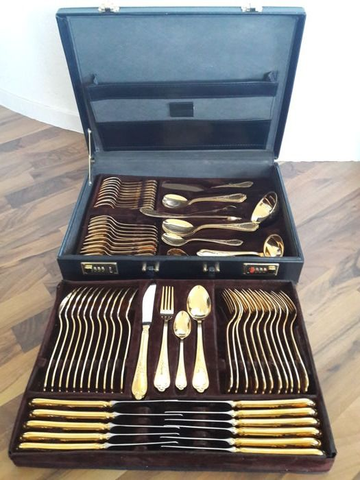 "SBS Solingen ""Vienna Rococo"" model - 72-piece full hard gold-plated luxury cutlery for 12 people - 23/24 karat - 1,000 fine gold - unused - in black cases - with price list"