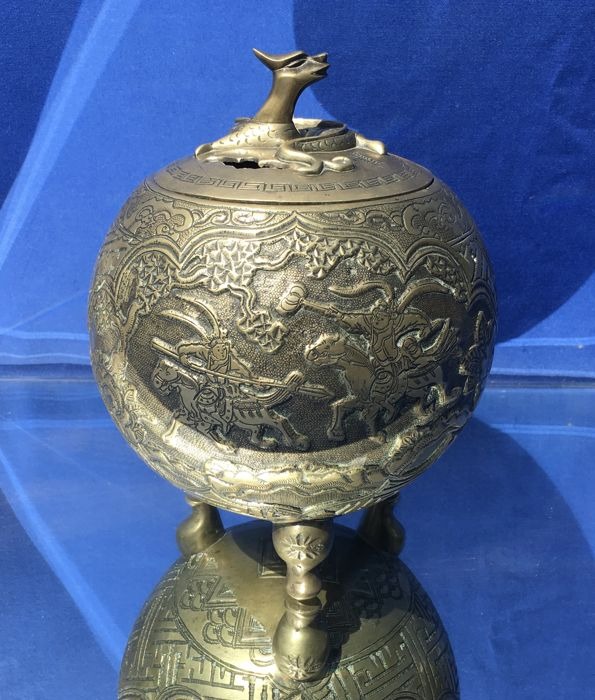 A Bronze Tripod Censer with Cover - China - mid/ second half 20th century
