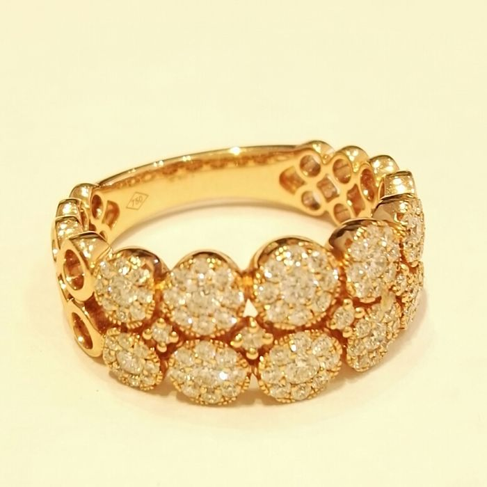 Ring in 18 kt gold with brilliant cut diamonds, colour G, clarity VS, 0.76 ct