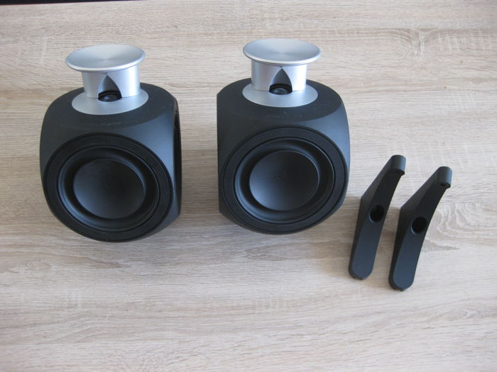 Bang & Olufsen B&O Beolab 3 MK2 active speakers with ICEPower and 2 wall brackets