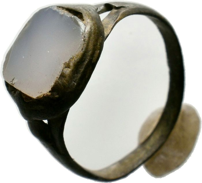 Byzantinisch Silber Silver Ring with a stone inlaid, 3,55gr, - 25.43 - (1)