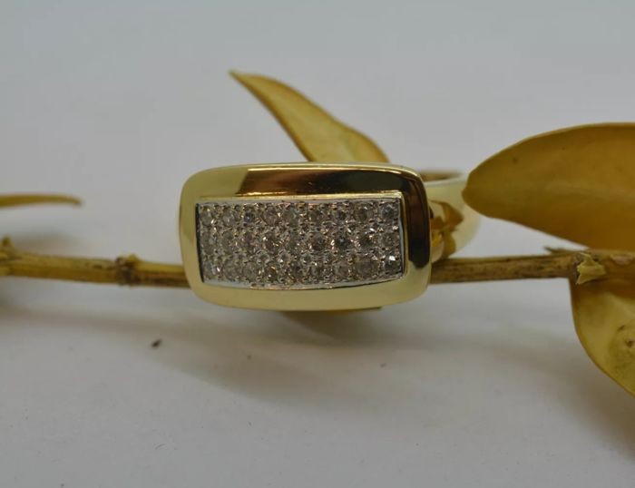 Ring 18 kt gold with natural diamonds (NO RESERVE PRICE)