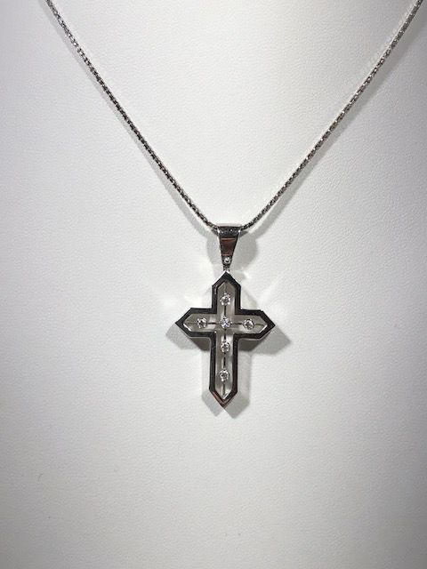 Cross pendant and necklace in 18 kt white gold with 0.12 ct diamonds - 44 cm