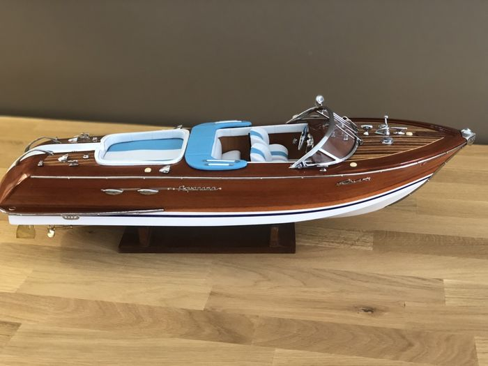 Model boat entirely made of wood Riva Special Aquarama - 53 cm