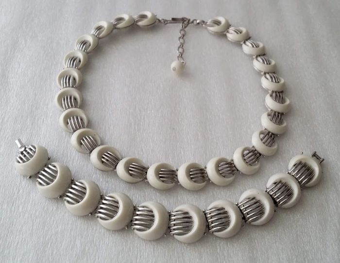 1970's Crown Trifari Alfred Philippe Necklace and Bracelet Set