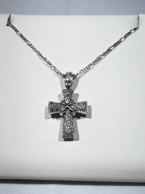 Necklace with cross pendant in 18 kt (750/1000) white gold with diamonds for 0.48 ct - 44 cm