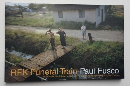 Signed; Paul Fusco - RFK Funeral train. Special edition with print - 2000