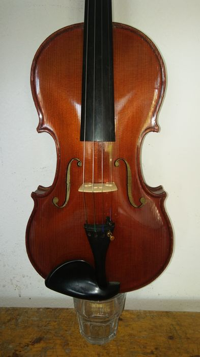 Copy of an Antonio Stradivari violin - probably made in Mittenwald in 1940 - 4/4 - perfect working order