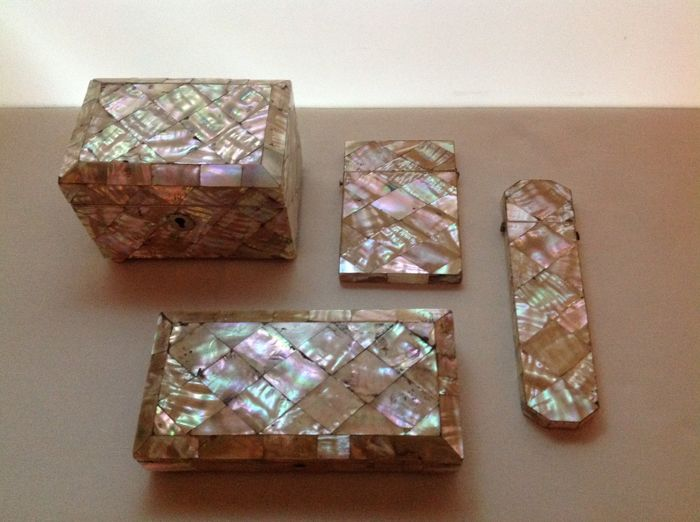Collection of 4 mother-of-pearl jewel cases - Holland - ca. 1880