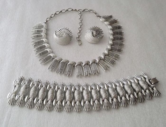 sarah coventry jewelry sets