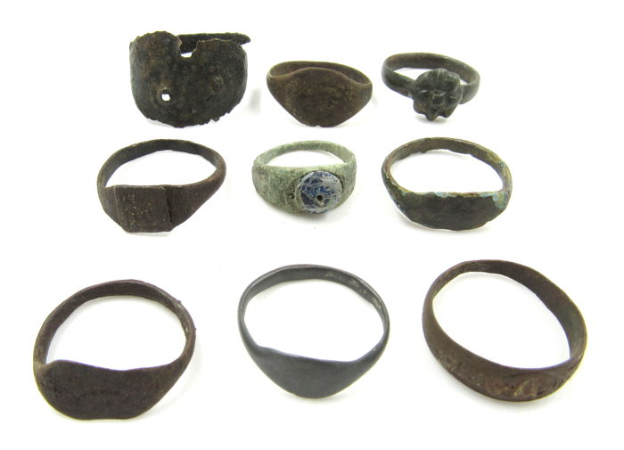 Ancient to Post Medieval  Brons Lot of 9 Rings - 1.4-2cm - (9)