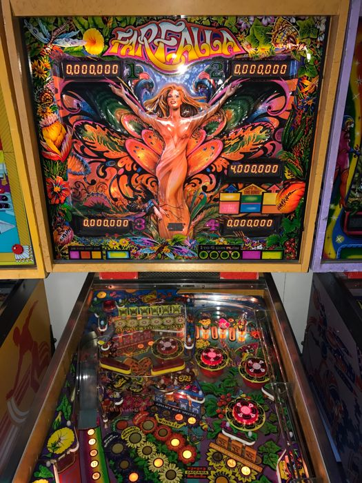 Pinball Machine Farfalla