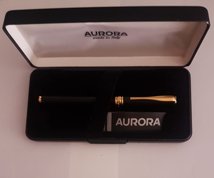 VINTAGE Aurora fountain pen