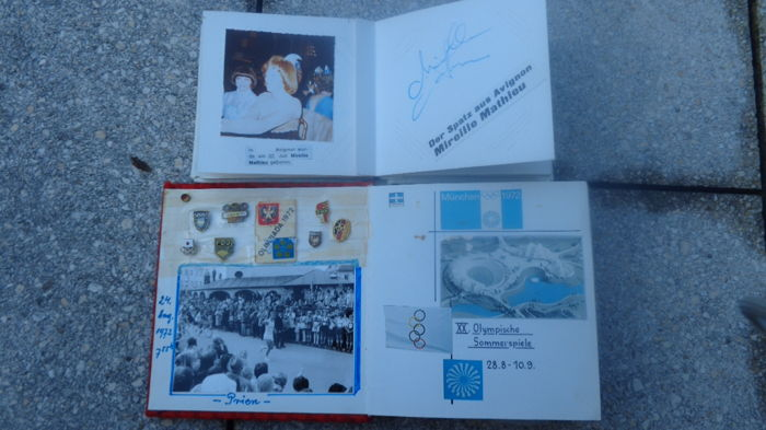 Lot of old photos of famous people with autograph - collection