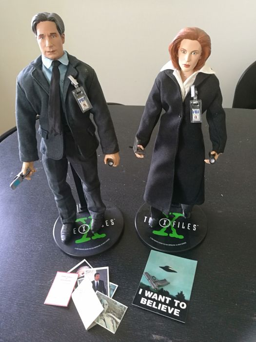 Sideshow Collectibles Toys - X-Files , 12 inch figure Fox Mulder and