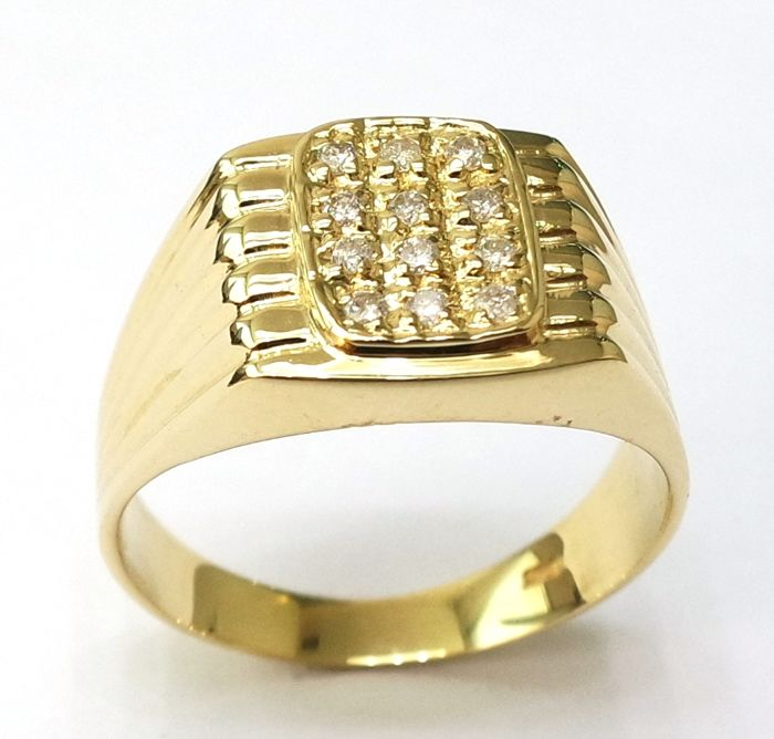 14 kt yellow gold ring set with 12 brilliant cut diamonds, approx. 0.15 carat in total, ring size T