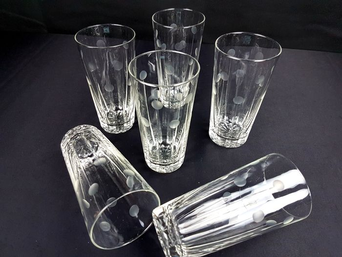 Val St Lambert Nestor / Hamlet Model - 6 Beautifully cut and engraved crystal glasses signed out of production