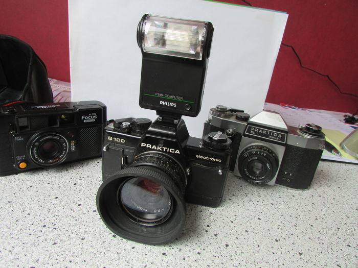 Lot of 2 x praktica camera and 1 x yashica catawiki
