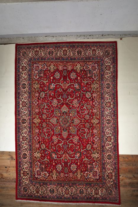 A  guaranteed hand-knotted Persian Sarouk carpet  4.57 x 2.92