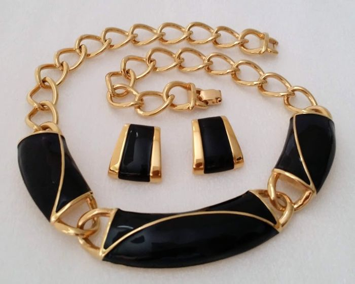 Monet Black Enamel Necklace And Earrings Set Vintage Catawiki