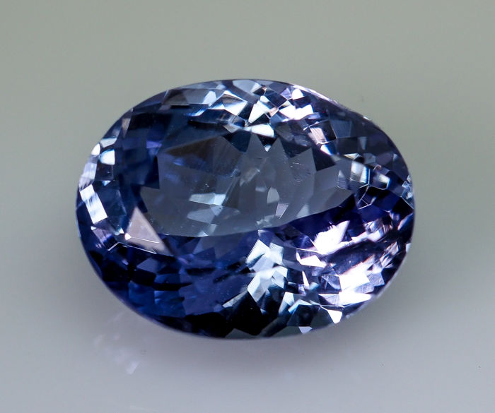 Tanzanite - 6.34 ct - No Reserve