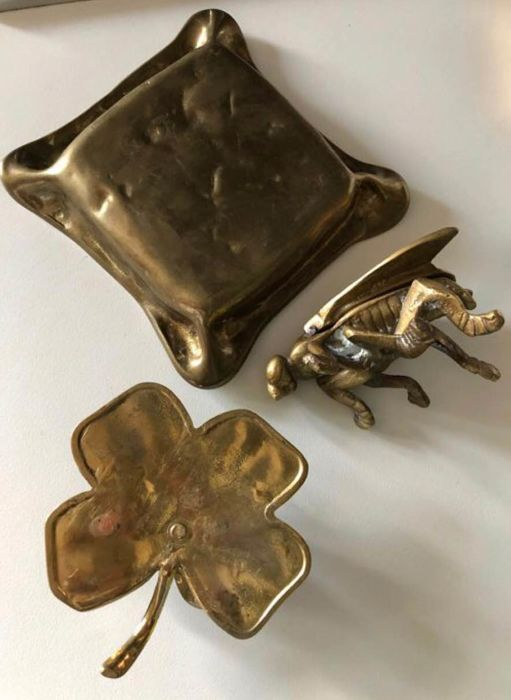 Lot of three solid brass items, of the 1940s/50s