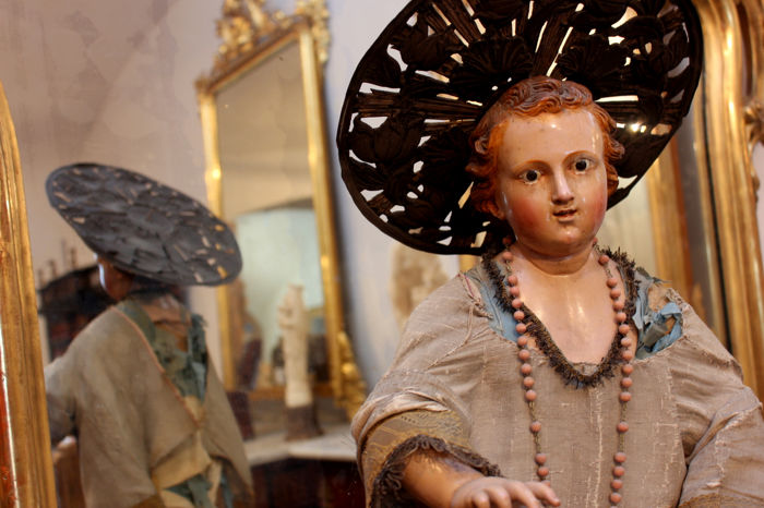"""Blessing Child"" in polychrome wood, with coeval robe and base Silver halo Naples, early 19th century"