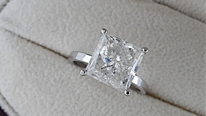 AIG 5.04 carat Princess Diamond Solitaire Engagement Ring in Solid White Gold 14K
