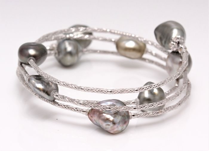 Magnificent Wrap Bracelet Featuring 9 Tahitian Pearls crafted in 18K White Gold - NO RESERVE PRICE