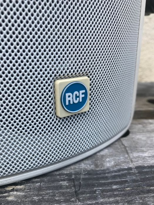 RCF 3SW Monitor speakers indoor and outdoor with wall