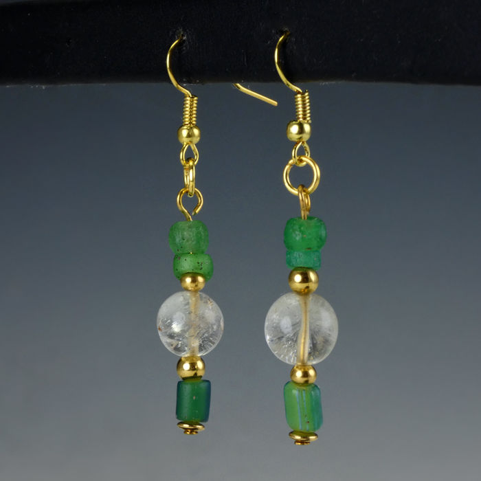 Römisches Reich Glas Earrings with Roman green glass/rock crystal beads - 5,35 cm - (1)