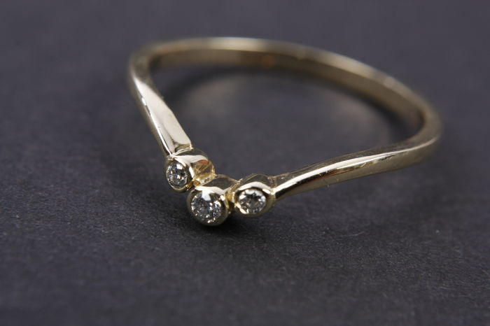 Dames Ring met 3 Diamanten - 14k geelgoud - Ringmaat: 17,50 mm