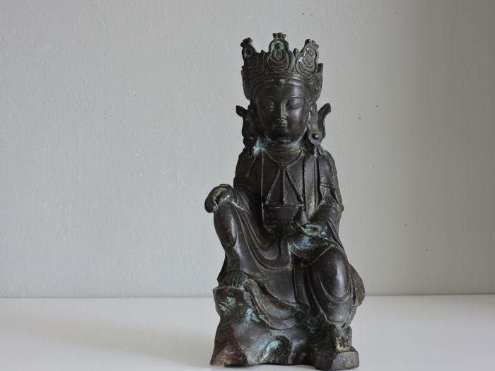 Bronze Statue Figure of Crowned Guan Yin in Ming Style - China - late 20th century