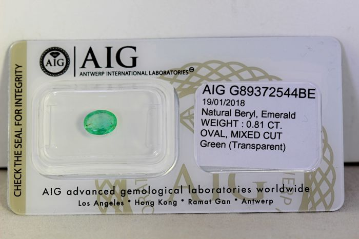 AIG Antwerp Sealed - Emerald - 0.81 ct - Green