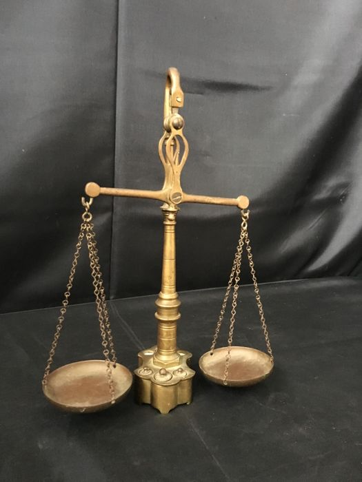 Brass Curious Scale, With Weights