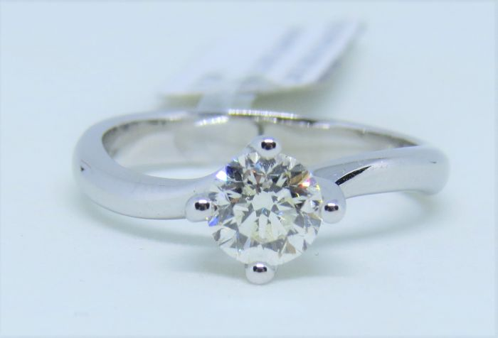 Solitaire ring in 18 kt/750 white gold Natural diamond, 0.80 ct