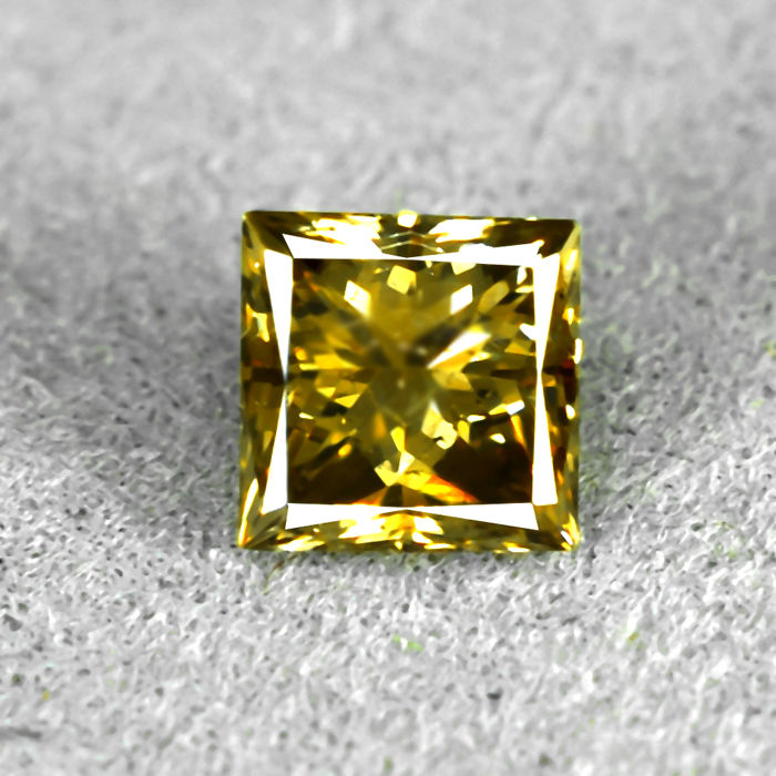 Natural Fancy Intense Orangey Brown Diamond - 0.55 ct