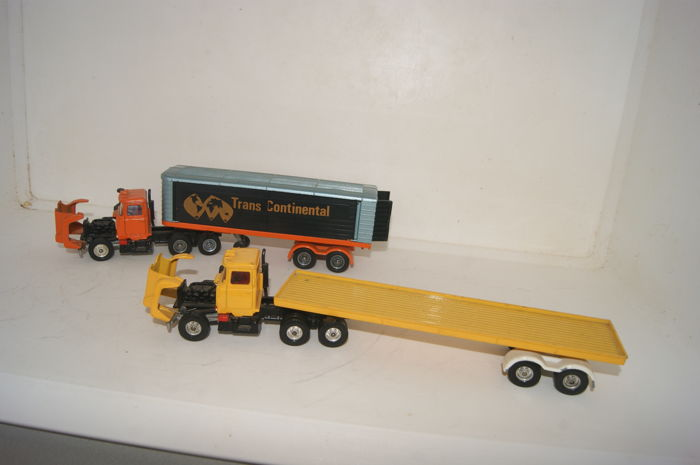 Corgi - 1:48 - Major Toys - Mack Truck & Transcontinental Trailer - nr.1100 & Mack Container Truck & Trailer no.1106