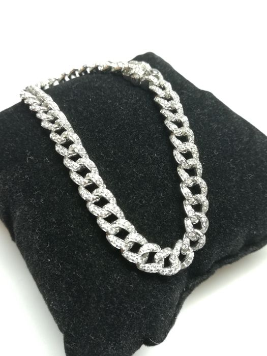 18 kt white gold bracelet in curb links 18.18 g with 336 natural diamonds G VS 3.43 ct