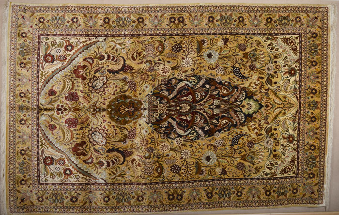 Turkish Hereke Silk Rug Size 200 x 310 cm