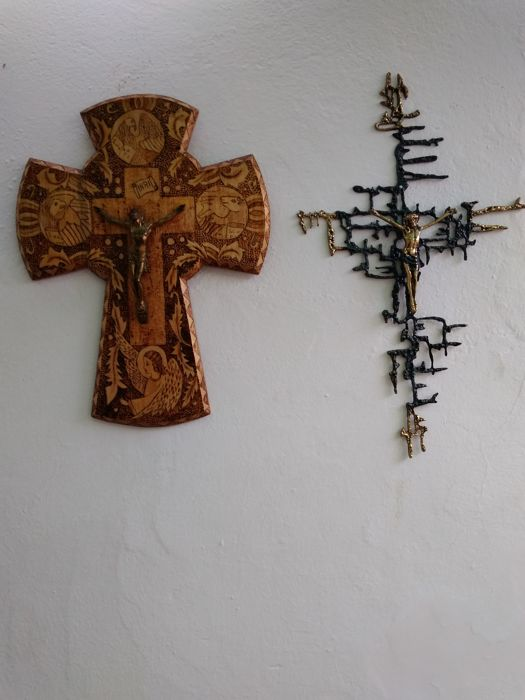 Christ by Dalí in bronze, and pyrographed cedar cross from early 20th century