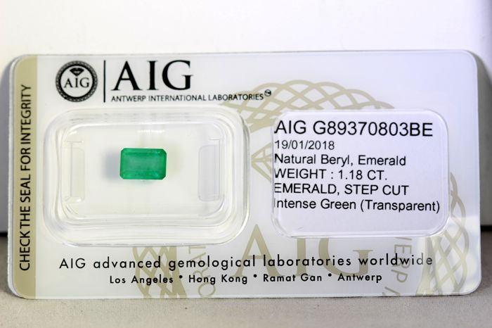 AIG Antwerp Sealed - Emerald - 1.19 ct - INTENSE Green - Fine Color Quality