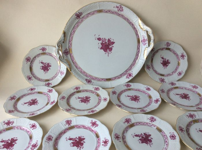 Herend - Cake dish with handles & 10 cake platters - décor Apponyi Bouquet red