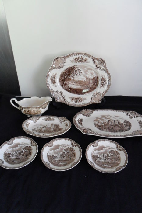 Johnson Bros - 7 pieces of crockery from Old Britain Castles