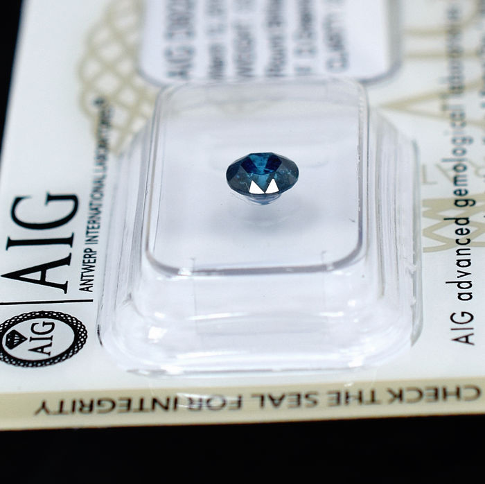 Blue Diamond - 0.60 ct, NO RESERVE PRICE