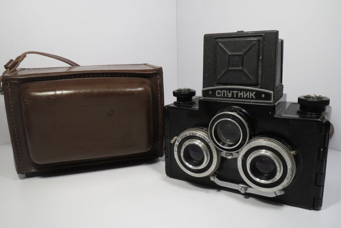 """Stereo Photo Camera """"Sputnik"""". (1955) The first issue Type I. THE USSR. LOMO (Leningrad).Completely working !!"""