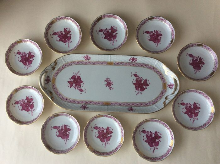 Herend - serving dish with 10 cake platters - décor Apponyi Bouquet red
